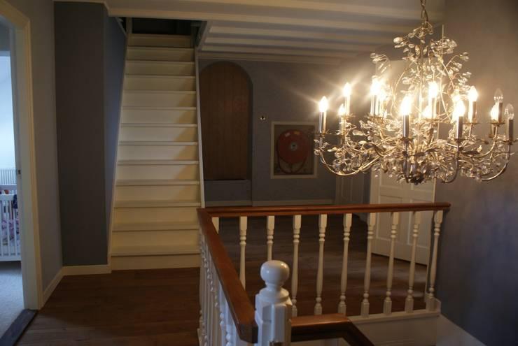 Na behang en verlichting :   door Arkelwonen Arkelsol, Rustiek & Brocante