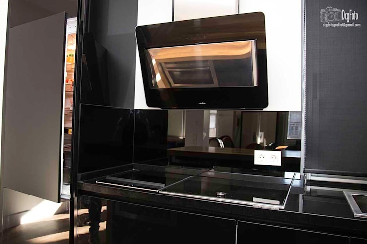 Tepan Yaky Bosch: Cocina de estilo  de Cocinas CJR