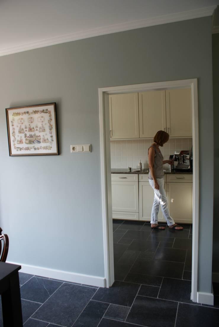 Nieuwe vloer en wanden aangebracht en nu hoe verder met onze bestaande meubelen?:   door Arkelwonen Arkelsol
