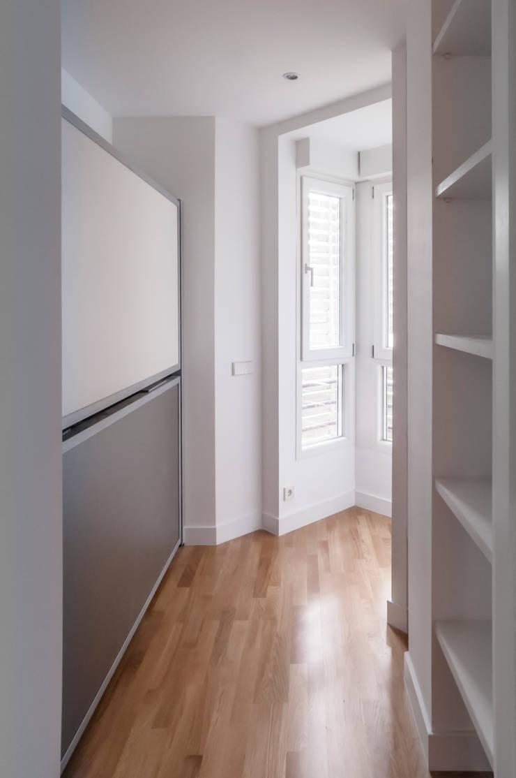 Vivienda PENINSULA INDEPENDIENTE DE LAC estudiocincocincouno 2014: Dormitorios infantiles de estilo  de estudio551