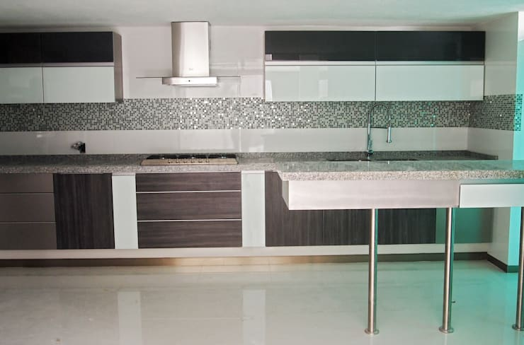 modern Kitchen تنفيذ Amarillo Interiorismo
