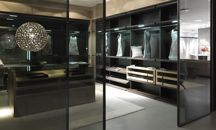walk-in-wardrobe:  Dressing room by Lamco Design LTD