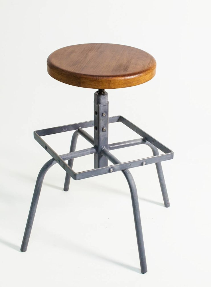 """Obrotowe krzesło barowe """"CUBE"""" - NordLoft: styl , w kategorii Salon zaprojektowany przez NordLoft - Industrial Design"""