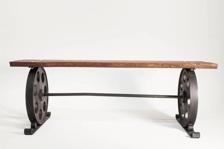 """Ławka ze stali """"LOCOMOTIVE"""" - NordLoft: styl , w kategorii Ogród zaprojektowany przez NordLoft - Industrial Design"""