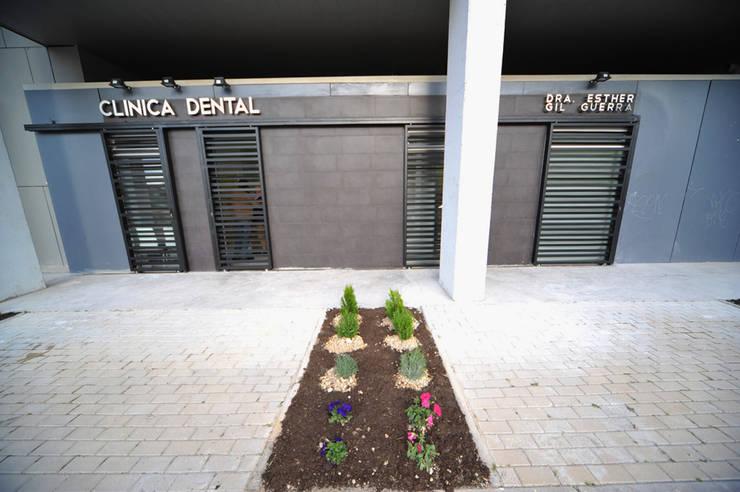 Clínica Dental BULEVAR DE LA NATURALEZA  estudiocincocincouno 2010: Clínicas de estilo  de estudio551