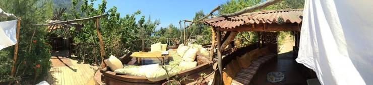 badem ağacı – Reflections Camp:  tarz Teras, Akdeniz