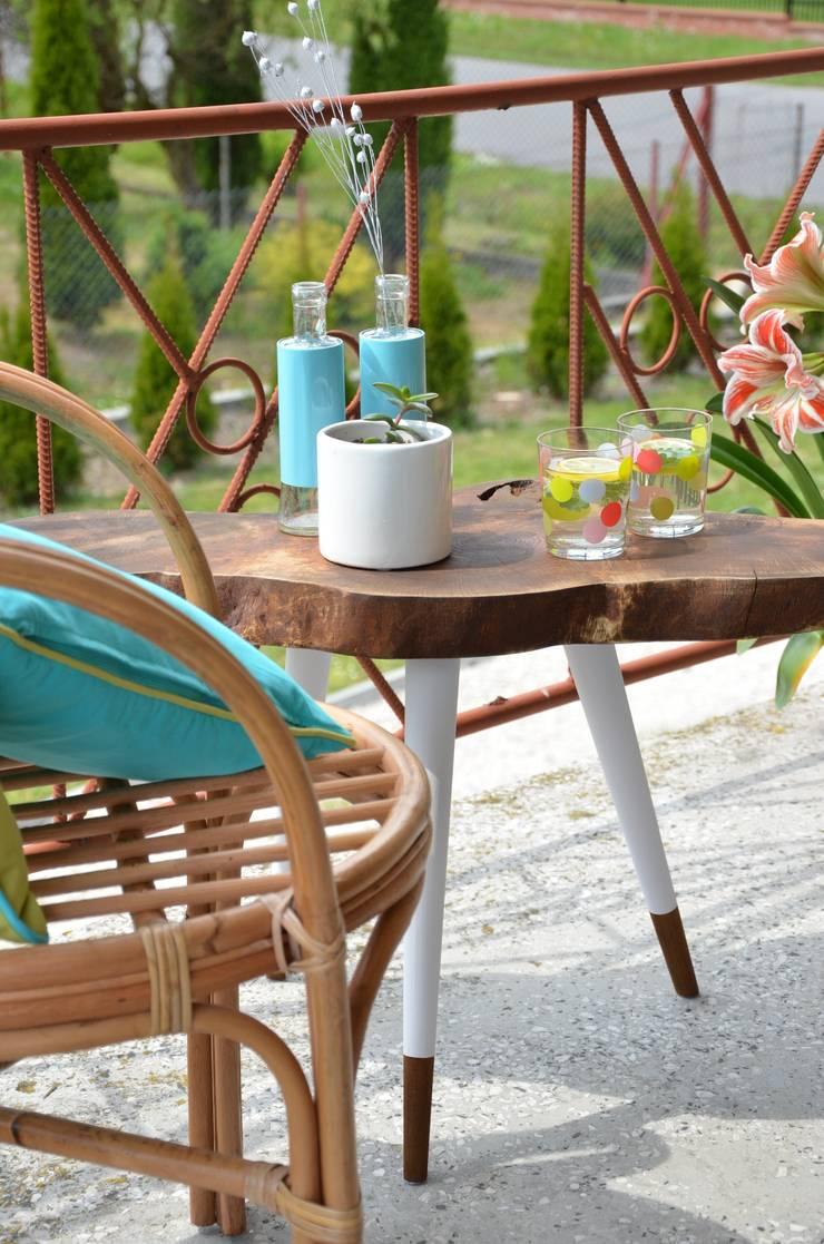 3 Brown STILL WOOD stolik kawowy: styl , w kategorii Balkon, weranda i taras zaprojektowany przez D2 Studio