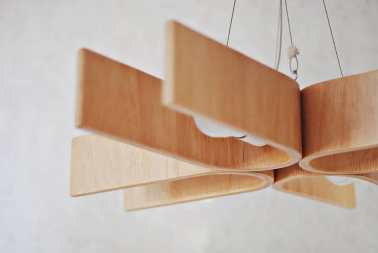 lamp NatUral_1_70x70: styl , w kategorii Salon zaprojektowany przez żyrRafo