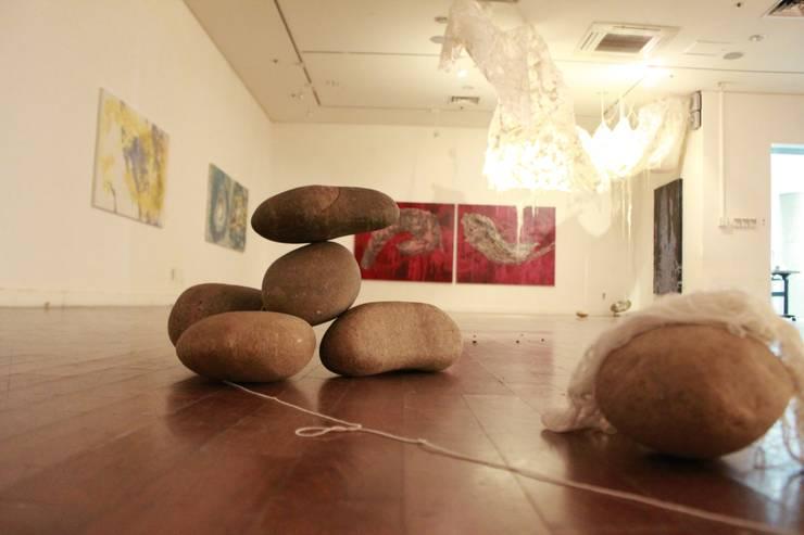 "<San 33> solo exhibition @Chungpa Gallery : Installation part: Kim Na Hyun 김나현의 {:asian=>""아시아틱"", :classic=>""클래식"", :colonial=>""식민지 풍"", :country=>""컨트리"", :eclectic=>""에클레틱"", :industrial=>""인더스트리얼"", :mediterranean=>""지중해"", :minimalist=>""미니멀리스트"", :modern=>""현대"", :rustic=>""촌사람 같은"", :scandinavian=>""스칸디나비아 사람"", :tropical=>""열렬한""} ,"