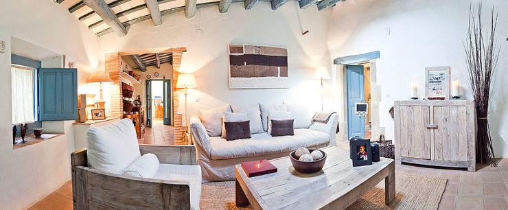 Projekty,  Salon zaprojektowane przez Home Deco Decoración