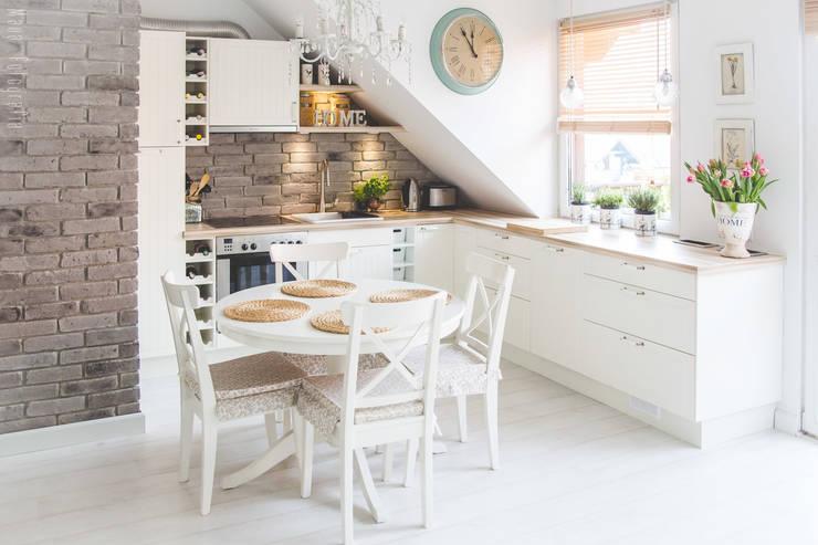 Mieszkanie na poddaszu 85m2: styl , w kategorii Kuchnia zaprojektowany przez Meblościanka Studio