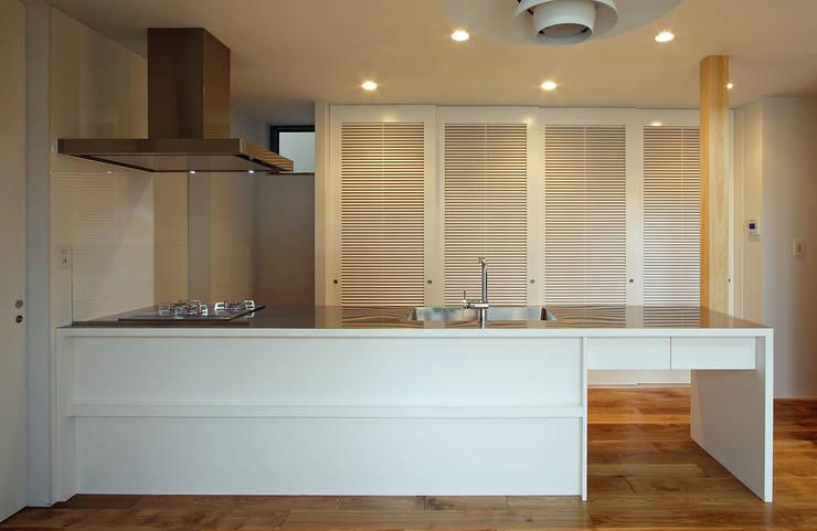 Kitchen by 福田康紀建築計画, Modern