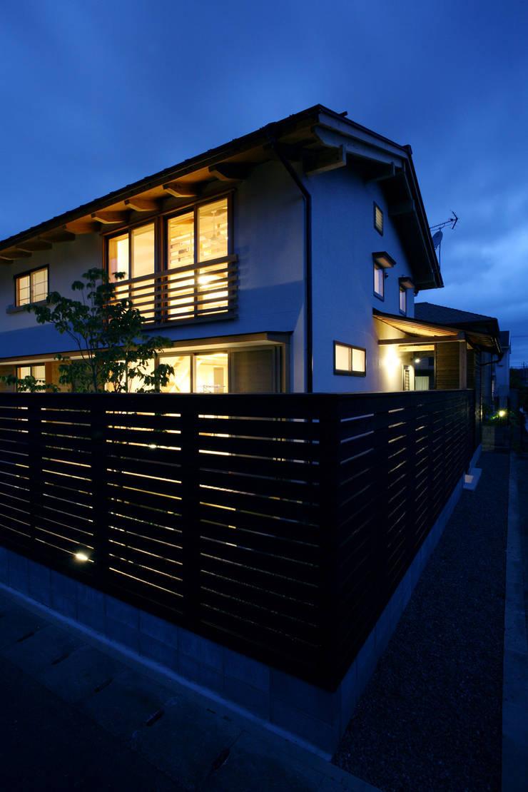 南東外観: 芦田成人建築設計事務所が手掛けた家です。,オリジナル