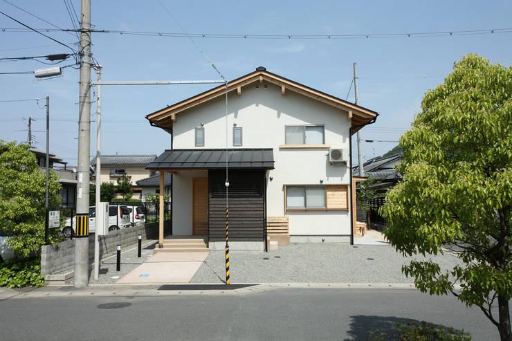 西面外観: 芦田成人建築設計事務所が手掛けた家です。,オリジナル