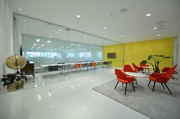 THE LOBBY-魅せるオフィス-: 株式会社ヴィスが手掛けたオフィススペース&店です。