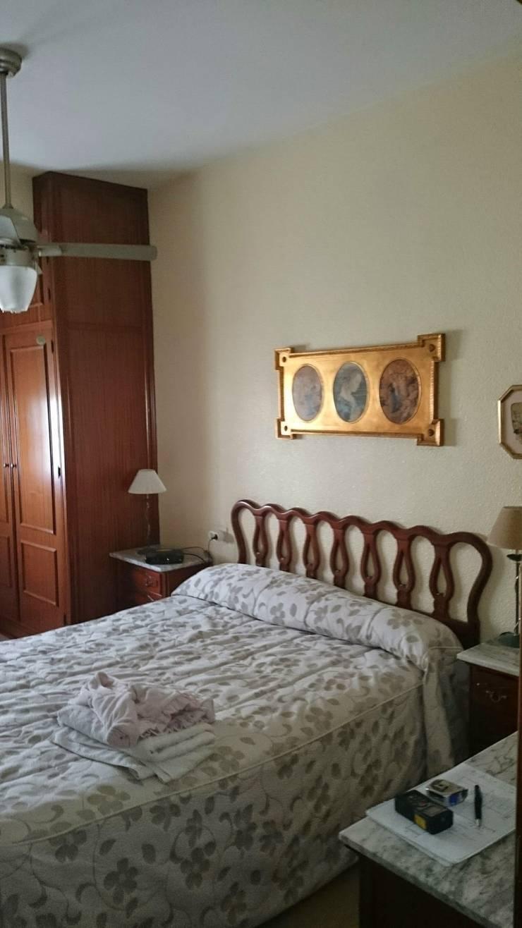 ANTES : Dormitorios de estilo  de Mobiliario PLEGUR S.L