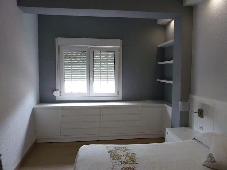 Dormitorios de estilo  por Mobiliario PLEGUR S.L