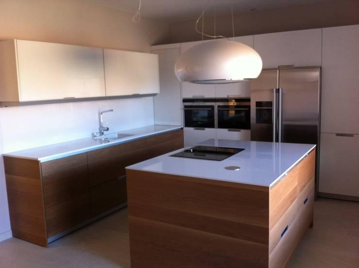 moderne Küche von Lumber Cocinas