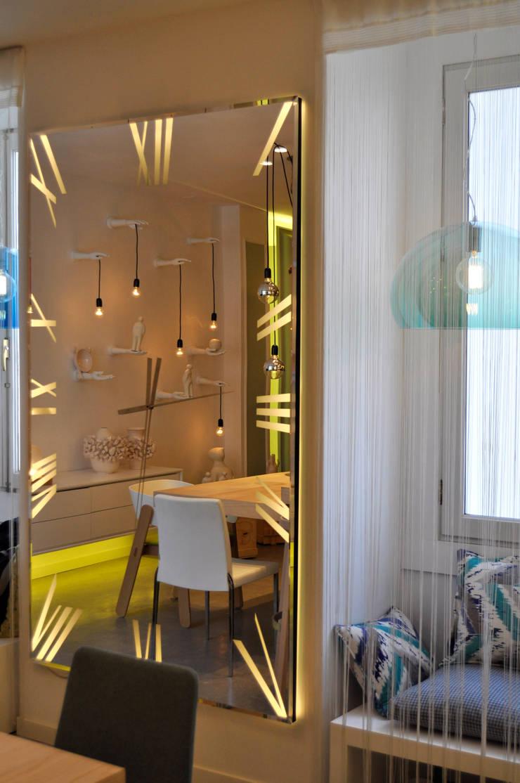 casa decor 2015: Salones de estilo  de GMProyecto