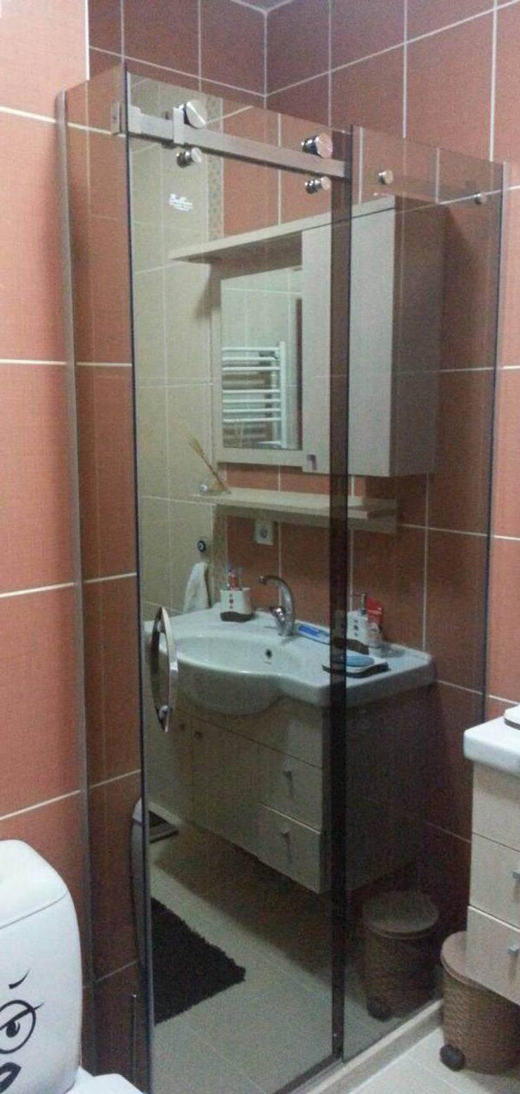 ideal duşakabin – Bronz Reflektecam Duş Kabini:  tarz Banyo, Akdeniz