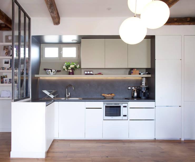 PARIS 11°: Cuisine de style  par RBB architectes