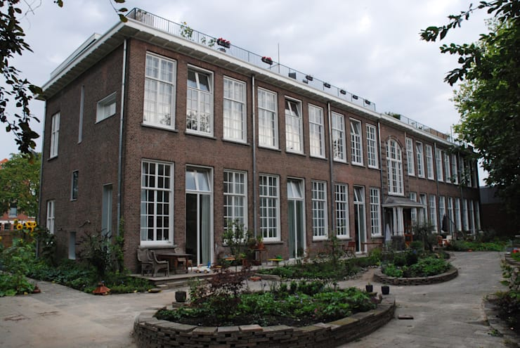 Voorgevel na verbouwing:  Huizen door Gunneweg & Burg