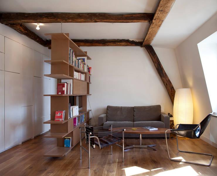 PARIS 11°: Salon de style  par RBB architectes