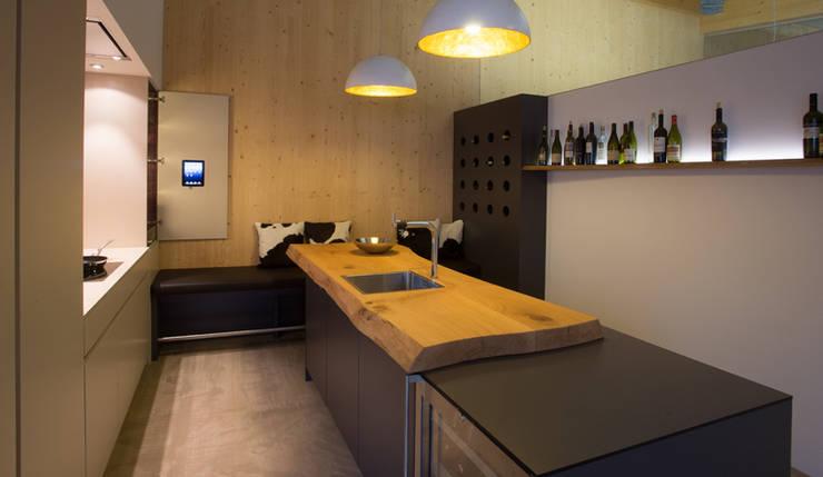 Cucina in stile in stile Eclettico di Beer GmbH