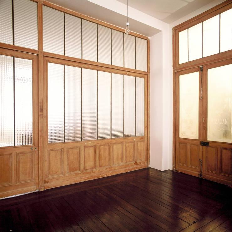 Ventanas de estilo  de Antonio Virga Architecte