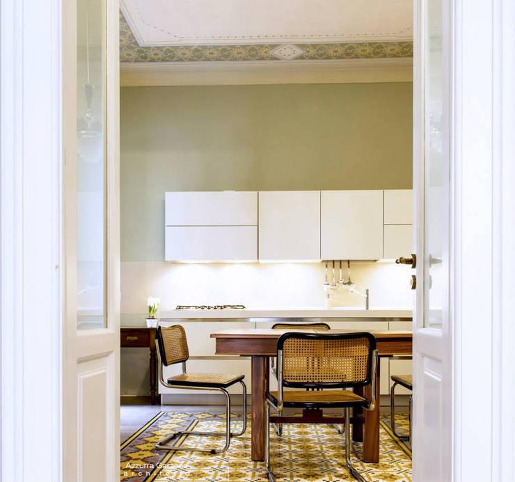 Casa privata BARI. QUARTIERE MURAT, Palazzo primi anni '20.: Cucina in stile  di Azzurra Garzone architetto