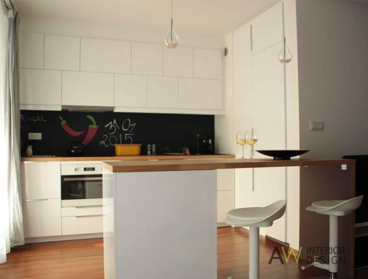 Kawalerka 29 m2 Kraków: styl , w kategorii Kuchnia zaprojektowany przez AW INTERIOR DESIGN