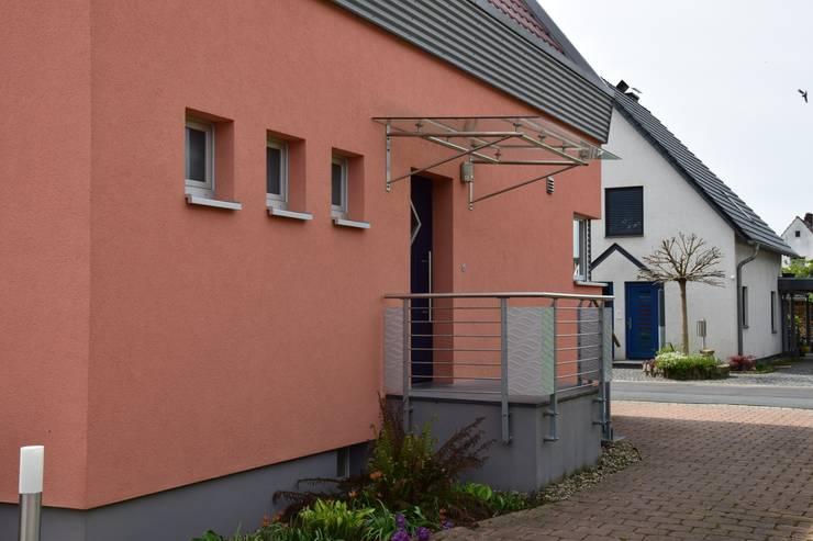 Eingang Nordfassade:   von Architekturbüro Heike Krampitz