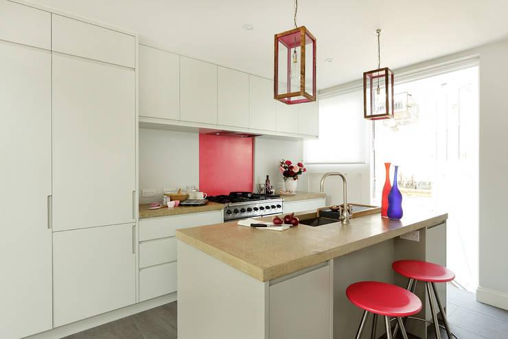 Open-Plan Kitchen/Living Room, Ladbroke Walk, London : modern Kitchen by Cue & Co of London