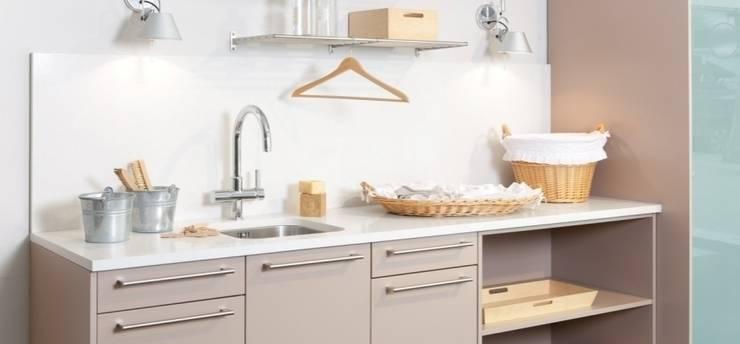 Zona de lavado: Cocina de estilo  de Traç Cuines SL