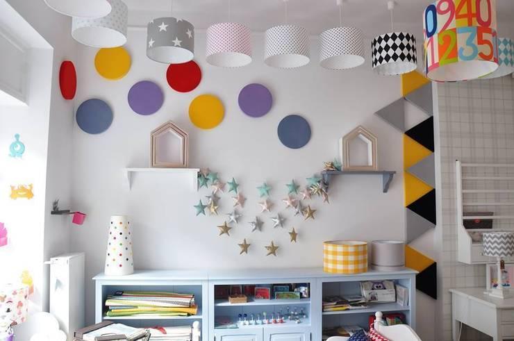 Wystrzałowa ściana Fluffo DOTS i TRIADA www.littleroom.pl: styl , w kategorii Ściany i podłogi zaprojektowany przez FLUFFO fabryka miękkich ścian