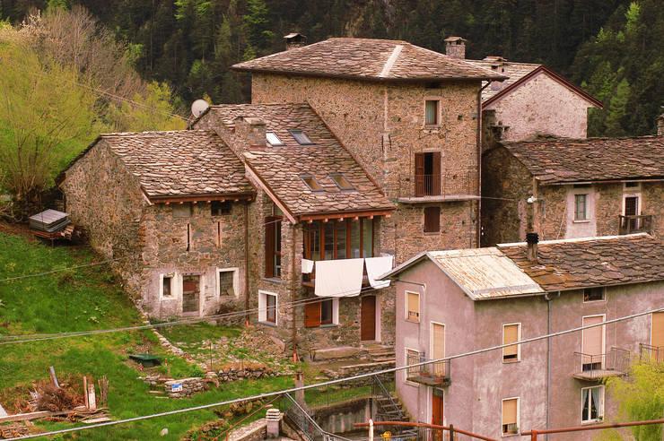 de estilo  de Architettura & Urbanistica Architetto Dario Benetti