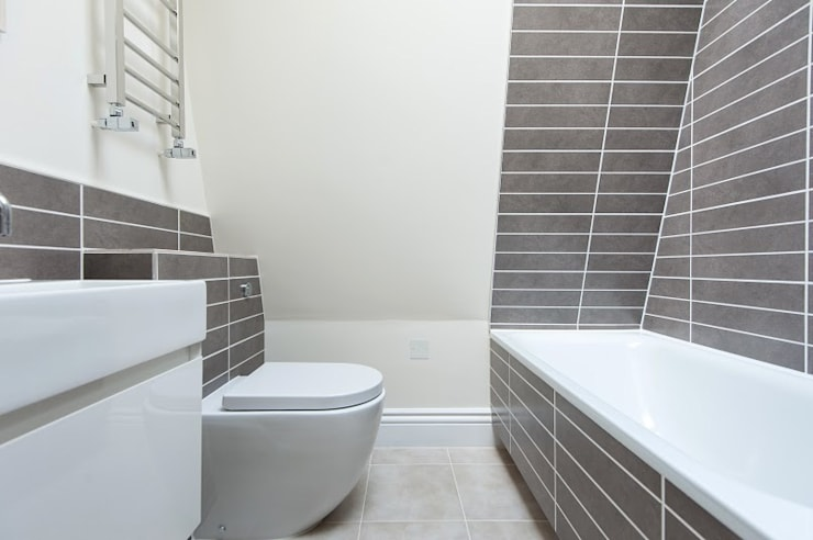 Early Victorian Townhouse: modern Bathroom by Corebuild