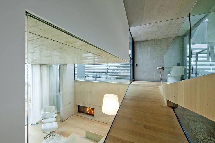 Ramphouse:  Flur & Diele von WILLL Architektur