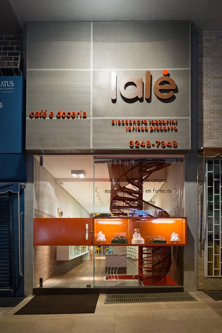 Fachada: Lojas e imóveis comerciais  por Vmf Arquitetos
