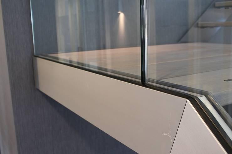 Kantoor Hendriksen te Tubbergen:  Kantoorgebouwen door Draw2design, Industrieel