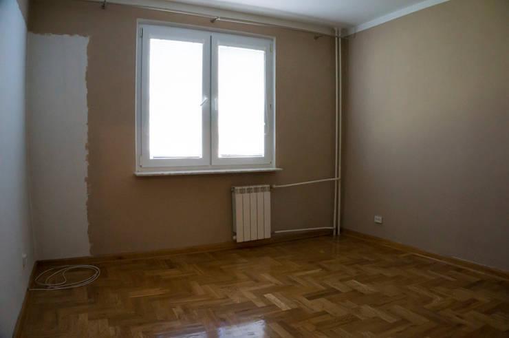 Sypialnia przed zmianą: styl , w kategorii  zaprojektowany przez Home Staging Studio AP