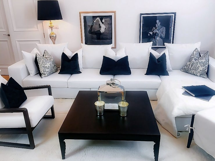 Curated living room:  Living room by Maison Noblesse