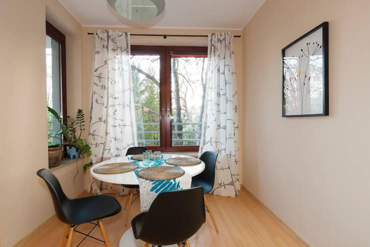 Jadalnia po zmianie: styl , w kategorii  zaprojektowany przez Home Staging Studio AP
