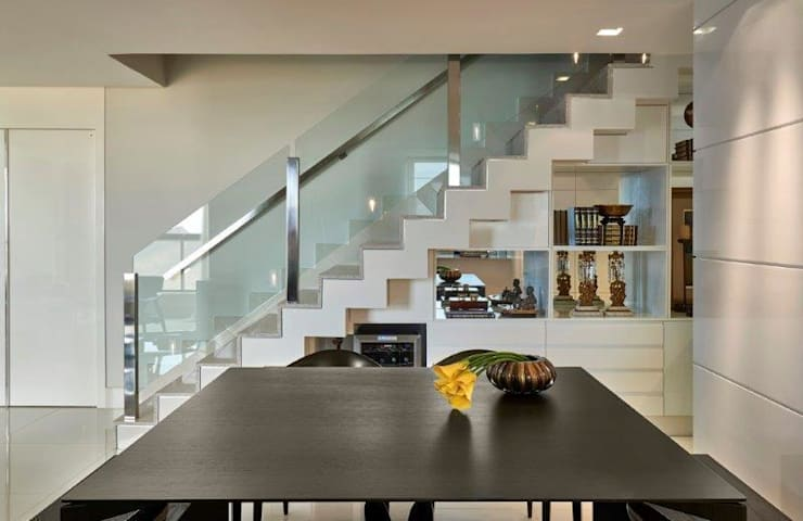 Loft 1202: Salas de jantar  por Cristina Menezes Arquitetura