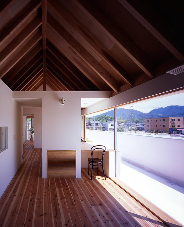 ¬(サシガネの家): 岩本賀伴建築設計事務所が手掛けた子供部屋です。