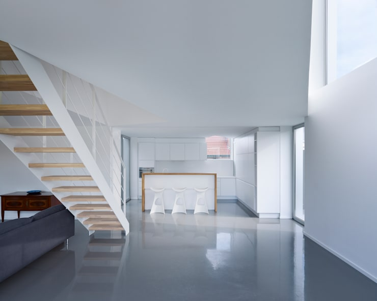 Maison D: Salle à manger de style  par Emmanuelle Weiss Architecte