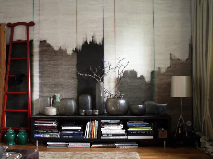 Asiatisch wohnen in Berlin:  Wohnzimmer von CONSCIOUS DESIGN - INTERIORS