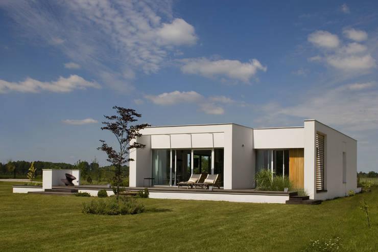 Łęka – Park: styl , w kategorii Domy zaprojektowany przez Architekci Łosiak_Siwiak
