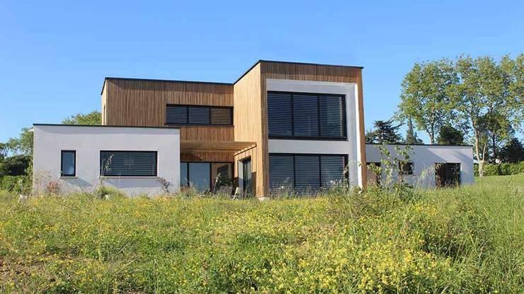 Maison Individuelle Bbc A Toit Terrasse Vegetalise Von Atelier