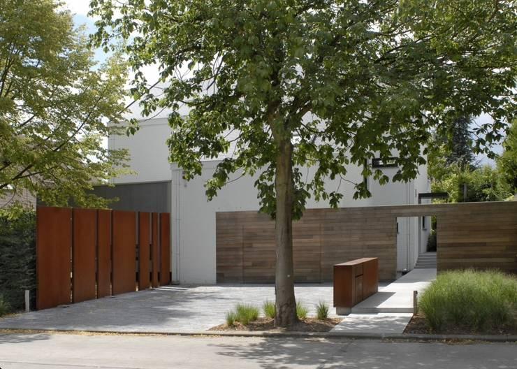 Ecologic City Garden - Paul Marie Creation의  주택